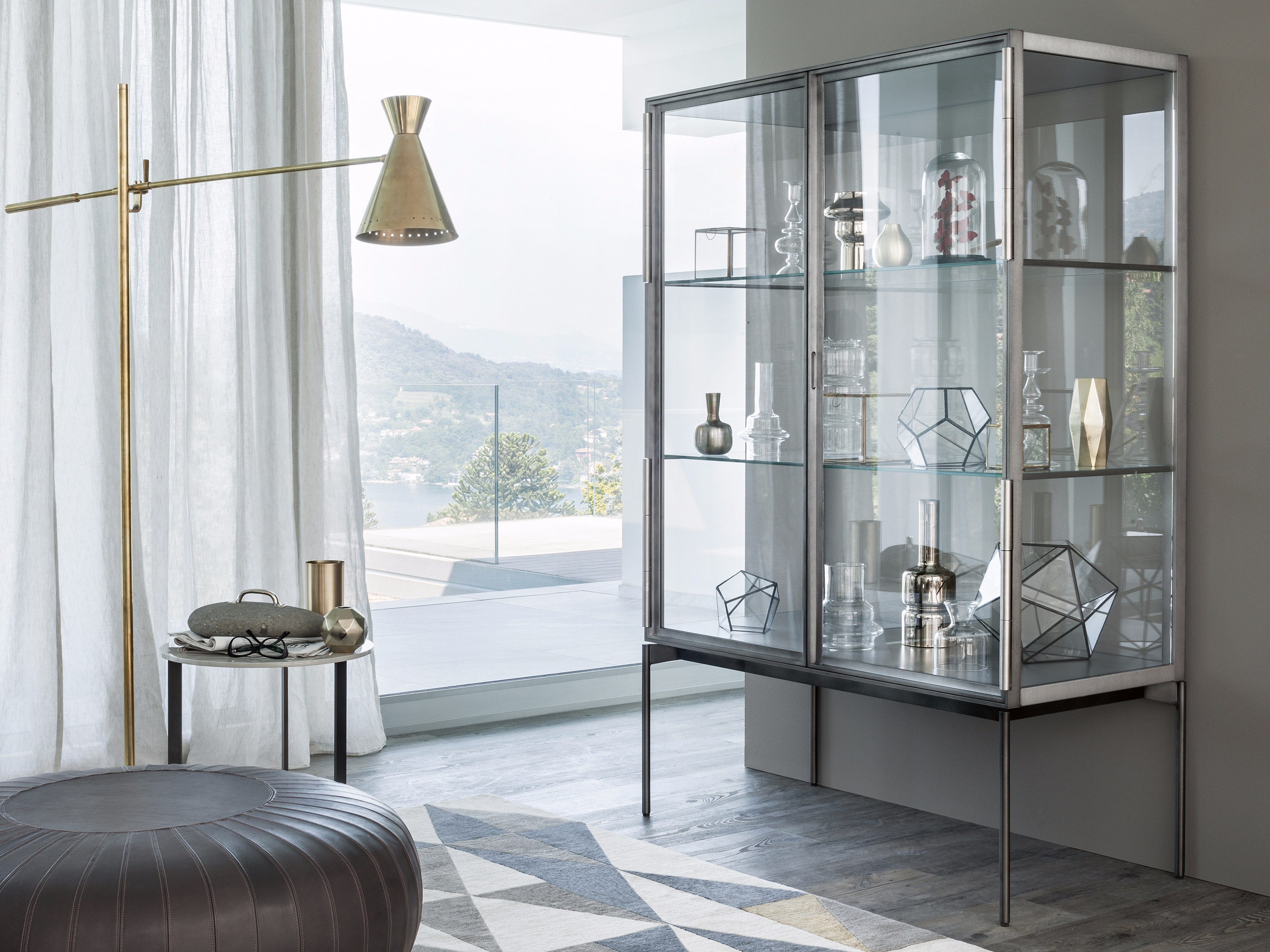 vitrine en aluminium et verre galerist by lema design christophe pillet. Black Bedroom Furniture Sets. Home Design Ideas