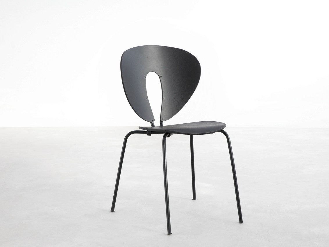 globus lacquered chair by stua design jes s gasca. Black Bedroom Furniture Sets. Home Design Ideas