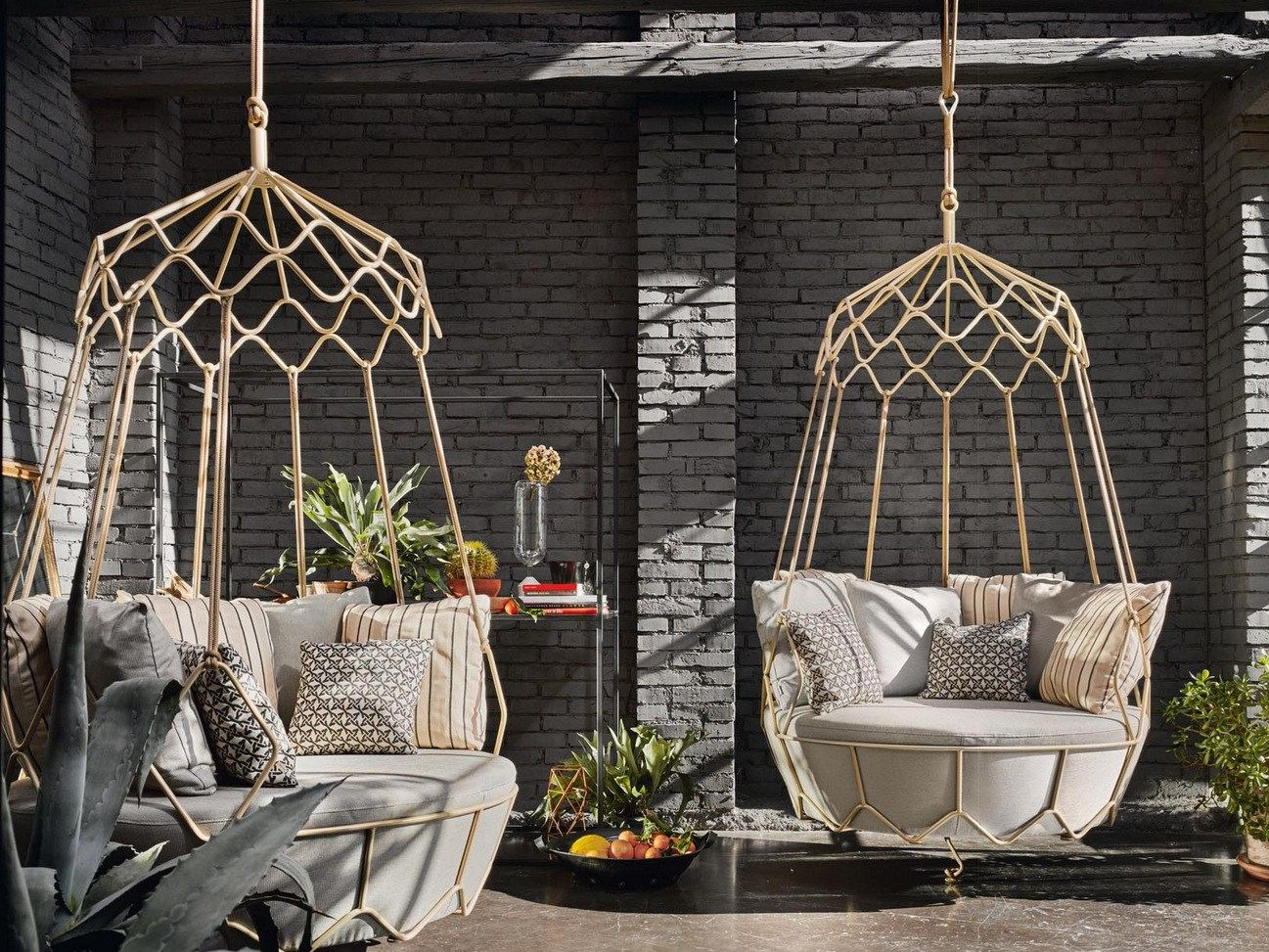gravity fauteuil suspendu de jardin by roberti rattan. Black Bedroom Furniture Sets. Home Design Ideas