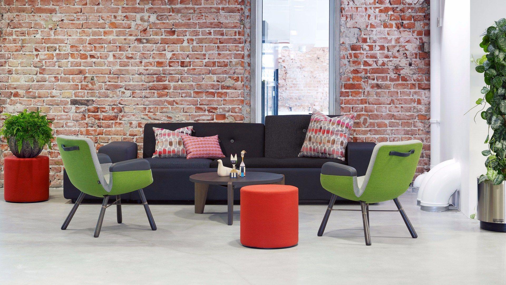 table basse ronde en bois gu ridon bas by vitra design. Black Bedroom Furniture Sets. Home Design Ideas