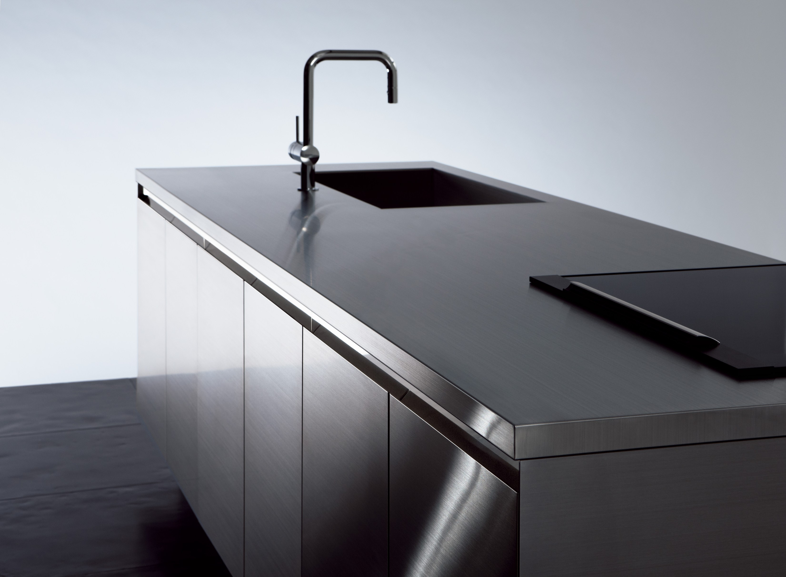 Cucina in acciaio inox senza maniglie grad45 by sanwa company - Cucina acciaio inox ...