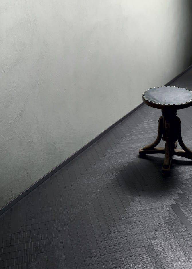 Battiscopa in legno lavorato e verniciato invisibile i for Www design house com