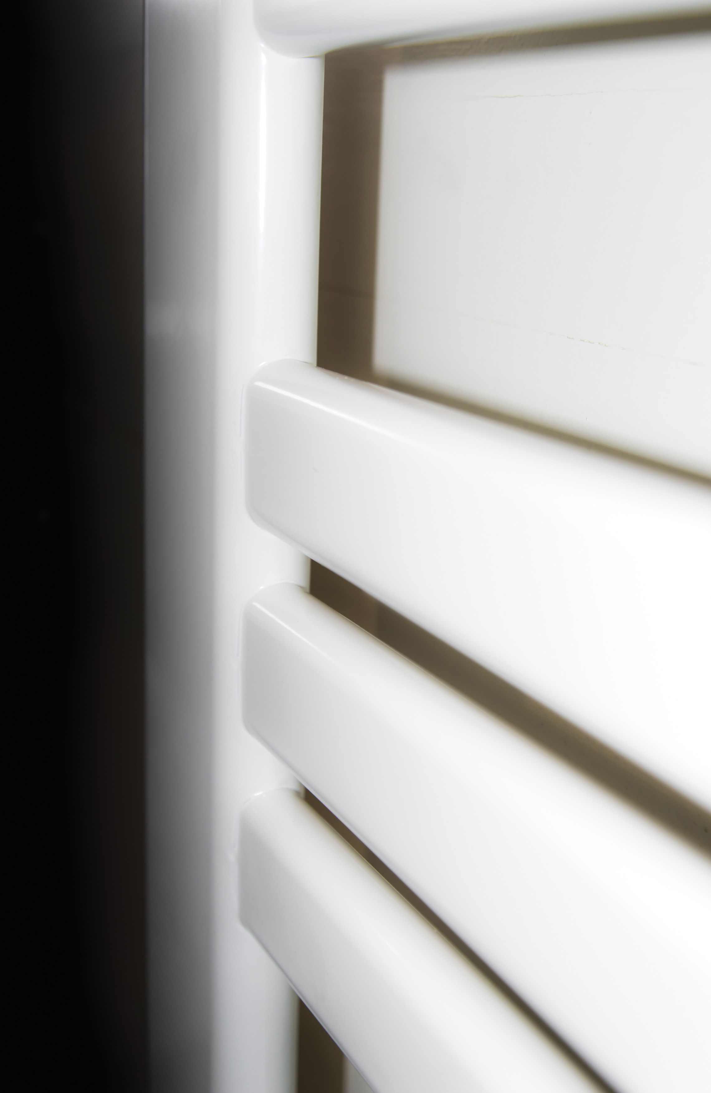 Scaldasalviette ad acqua calda a parete jacky by cordivari - Scaldasalviette ad acqua ...