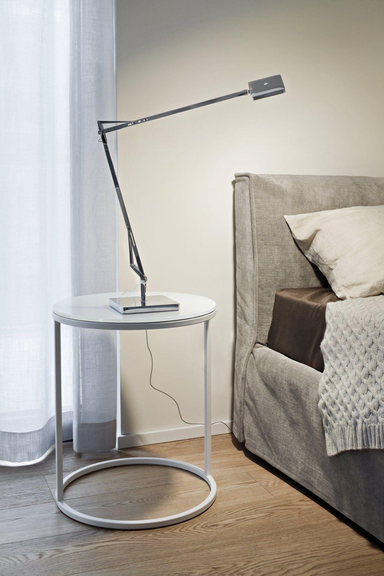 Lampada da tavolo a led a luce diretta in alluminio kelvin for Lampada da tavolo design flos
