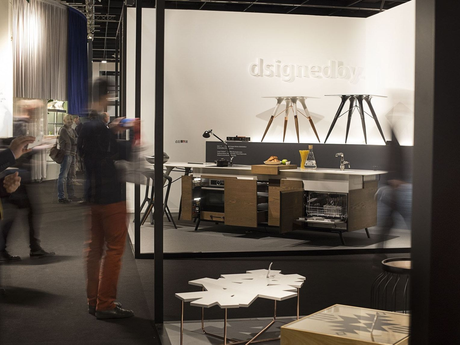 Interesting cuisine en corian kitchu t by dsignedby design for Cuisine lineaire design