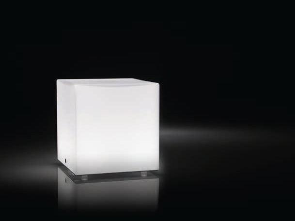 KUBIK Lampada da tavolo by PANZERI design Team Design