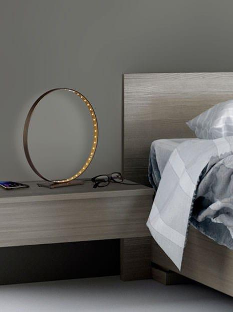 lampe de table led pour clairage direct indirect la prestige 30 by le deun luminaires. Black Bedroom Furniture Sets. Home Design Ideas