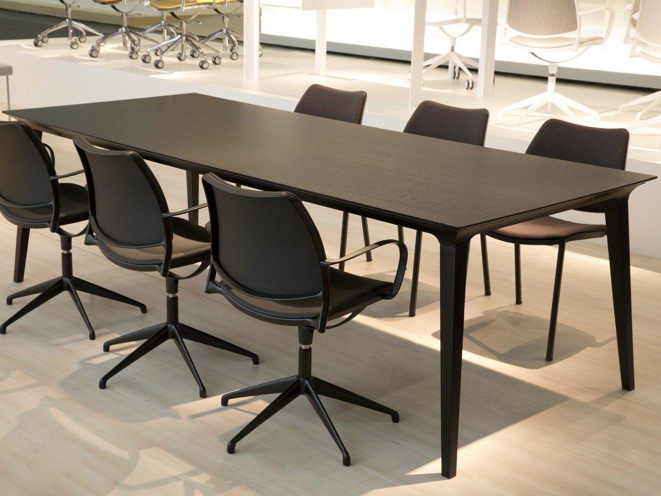 Lau tavolo rettangolare by stua design jes s gasca for Tavolo rettangolare design