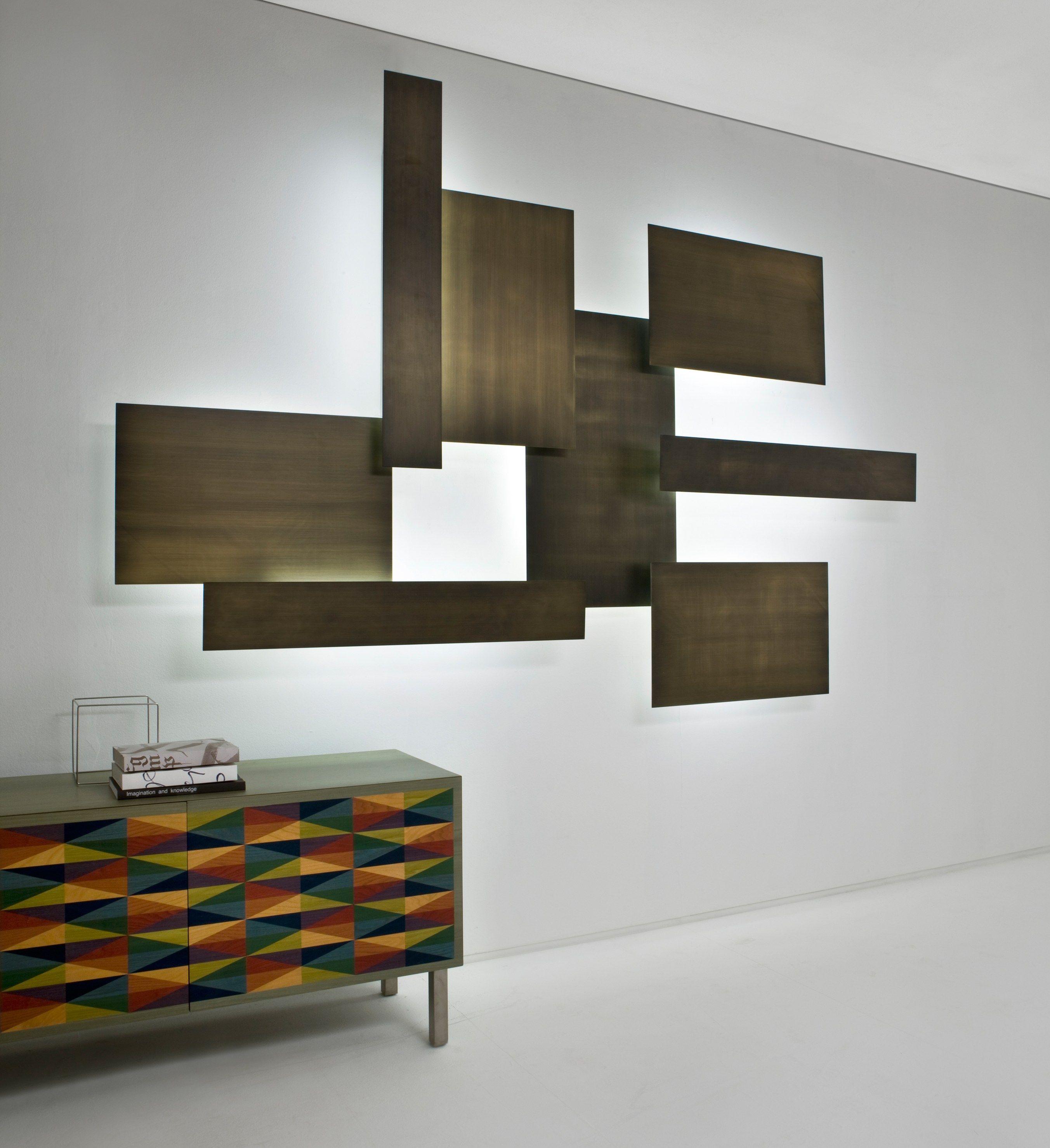 Lampada da parete in ottone lightwall by laurameroni - Lampada da parete design ...
