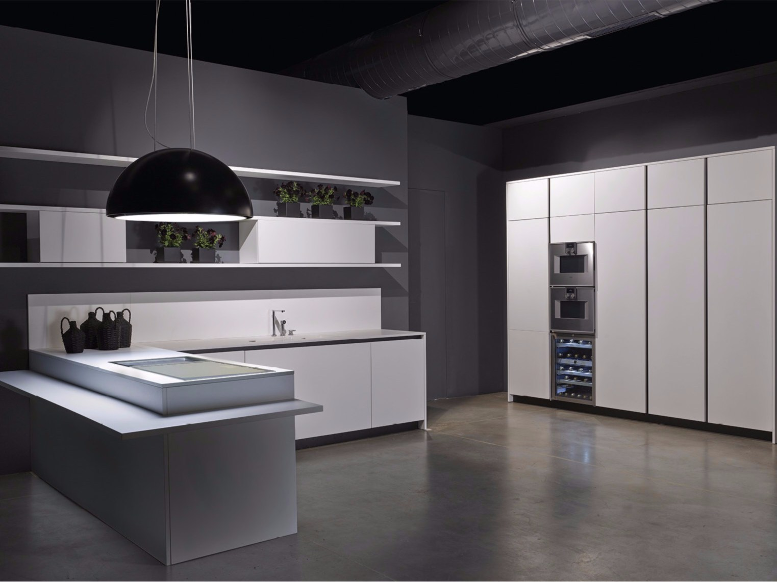Line kitchen with peninsula by rifra for Cocinas integrales blancas