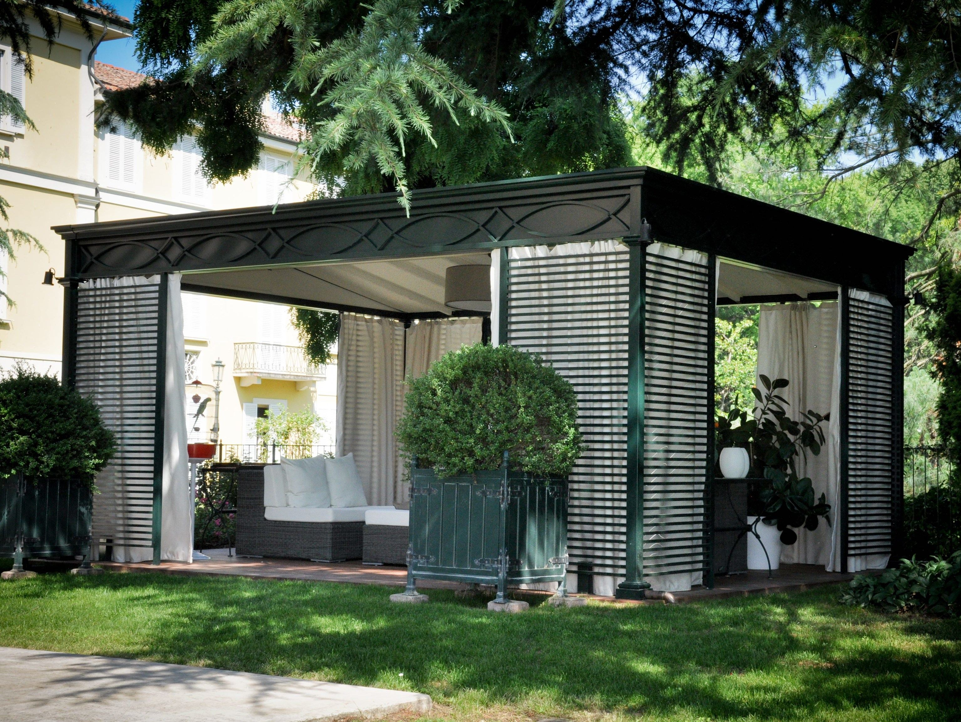 Iron Gazebo Luxury Home By Unosider