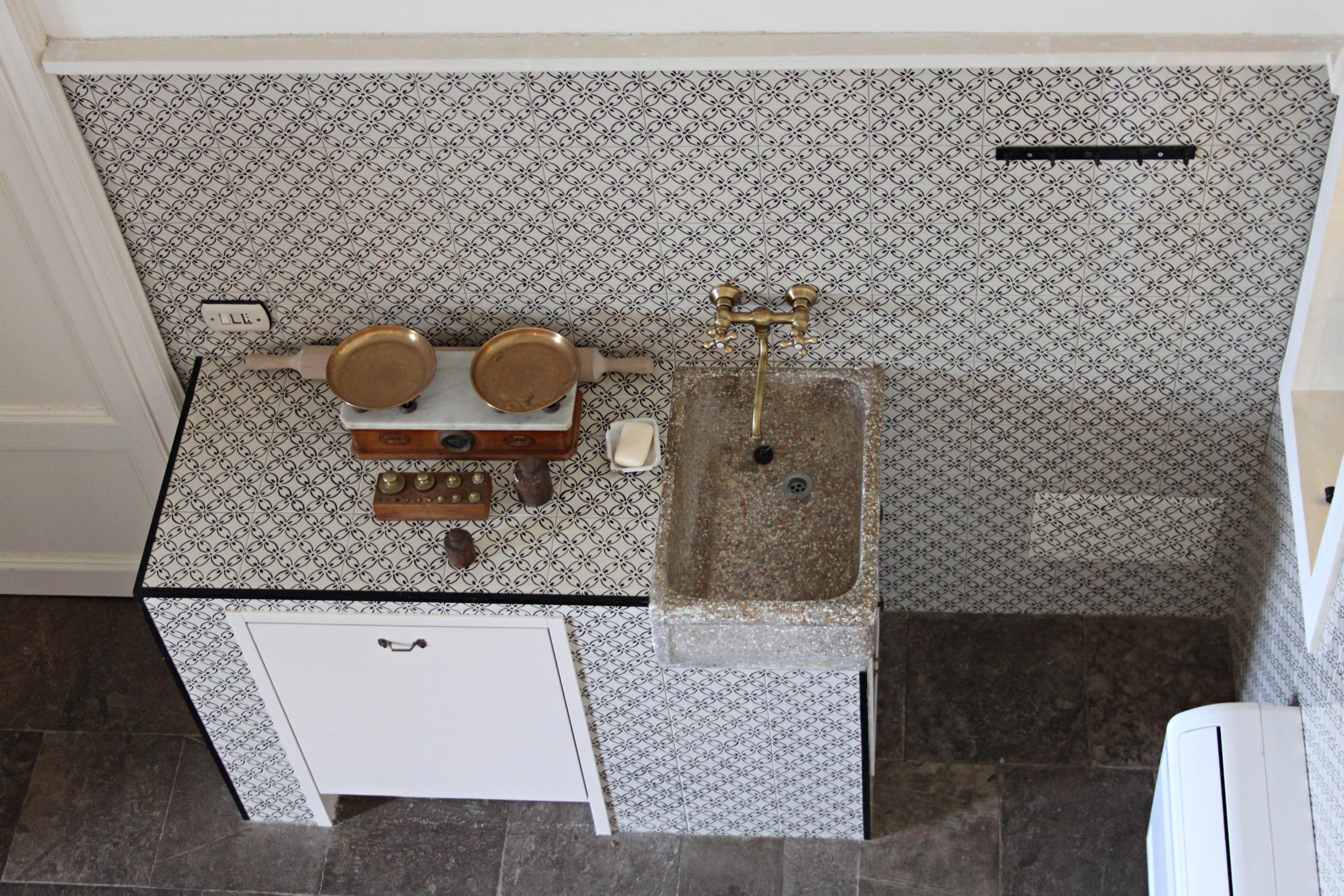 Top cucina in pietra lavica by sgarlata emanuele c - Pietra lavica cucina ...
