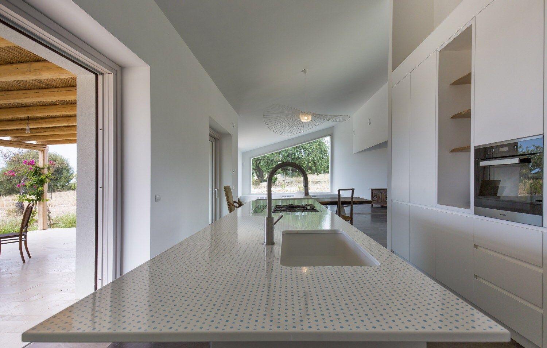 Top cucina in pietra lavica by Sgarlata Emanuele & C. design ...