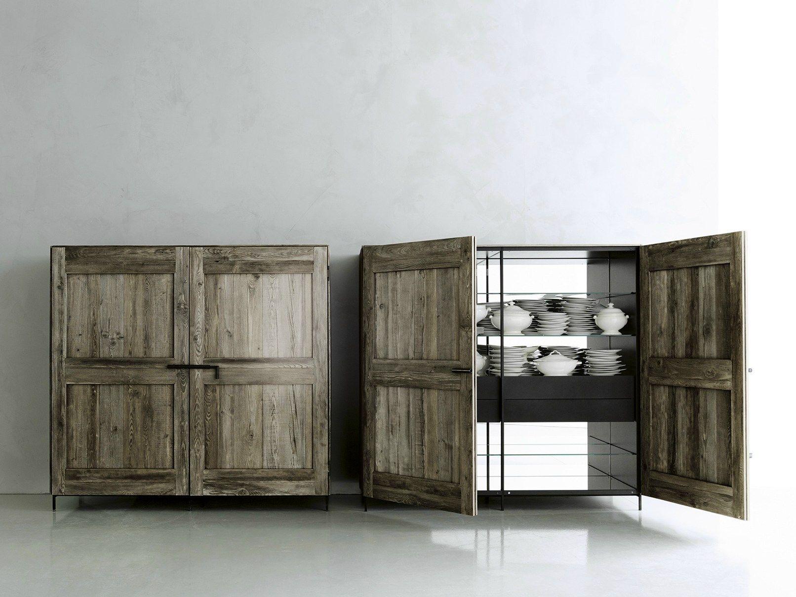 Madia in legno massello con ante a battente madia by boffi for Credenze sala da pranzo moderne