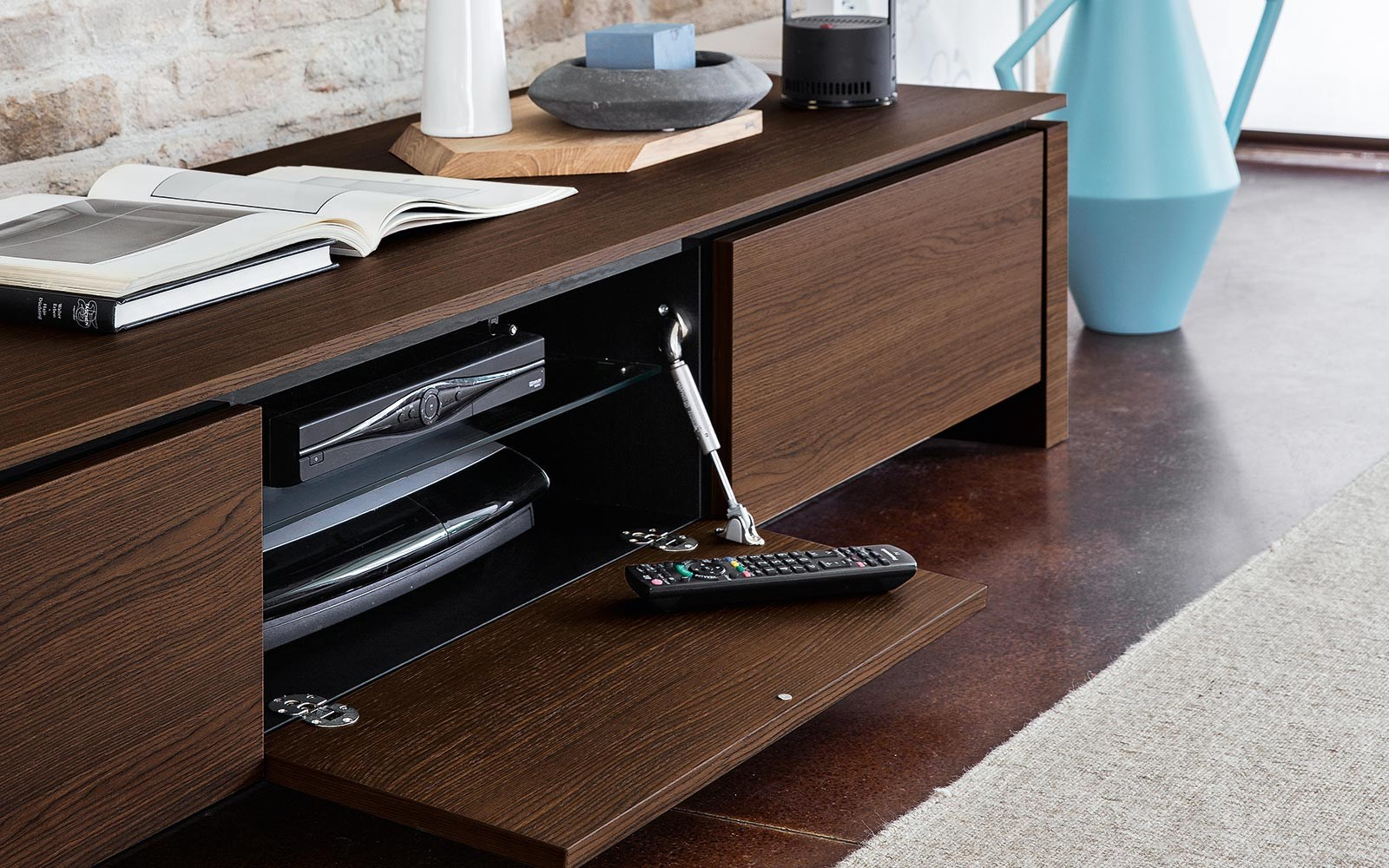 Mag mobile tv by calligaris - Mobili tv calligaris ...