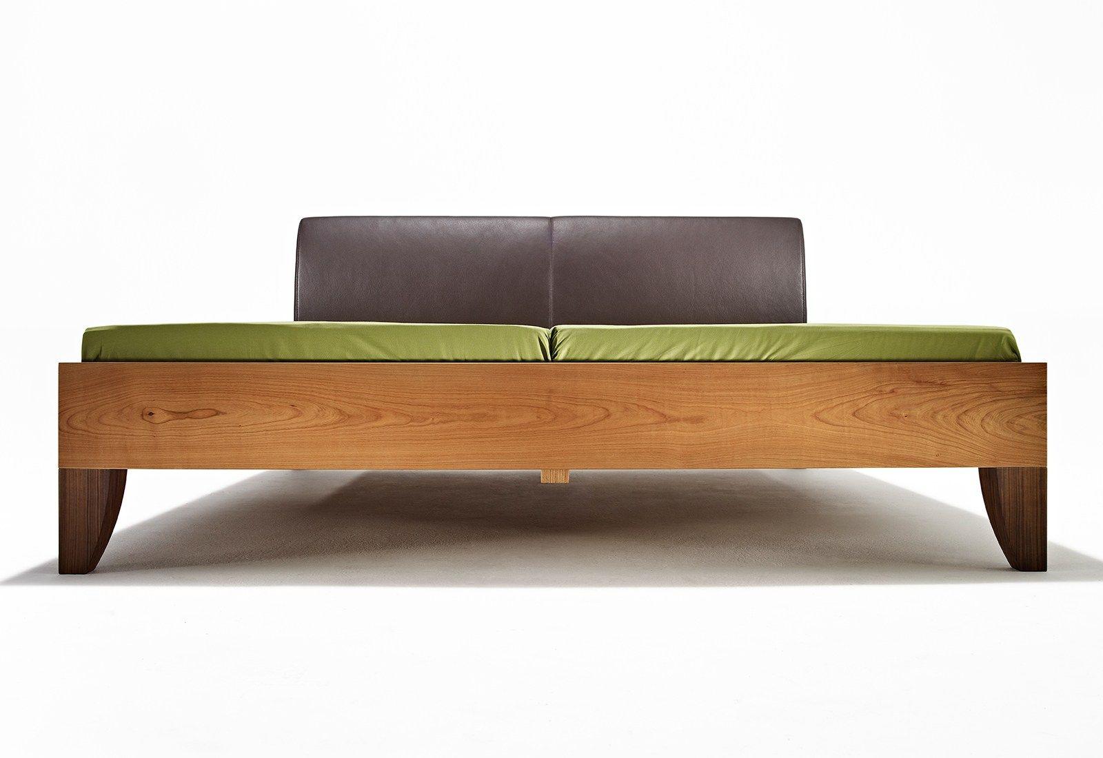 Mamma bett mit polsterkopfteil by sixay furniture design lászló ...