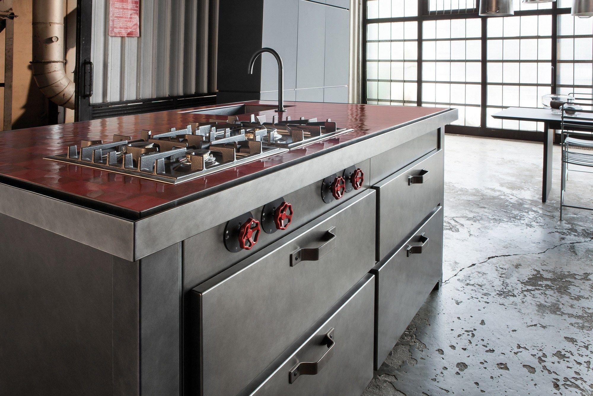 Min cucina in acciaio by minacciolo - Maniglie cucina acciaio ...