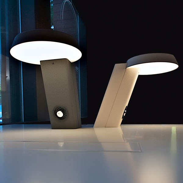 Lampada da scrivania a led in alluminio mod 607 by flos - Lampada da scrivania design ...