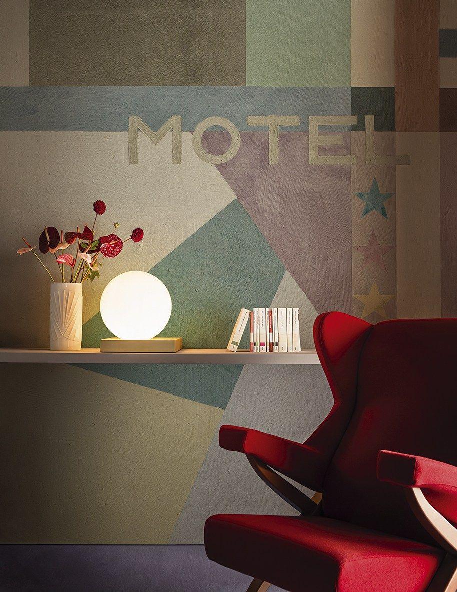 Carta da parati con scritte motel futuriste by wall dec for Carta da parati con scritte