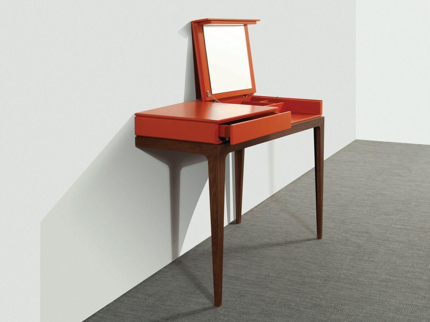 Dressing table moved by roche bobois design sandra demuth for Roche bobois tables basses