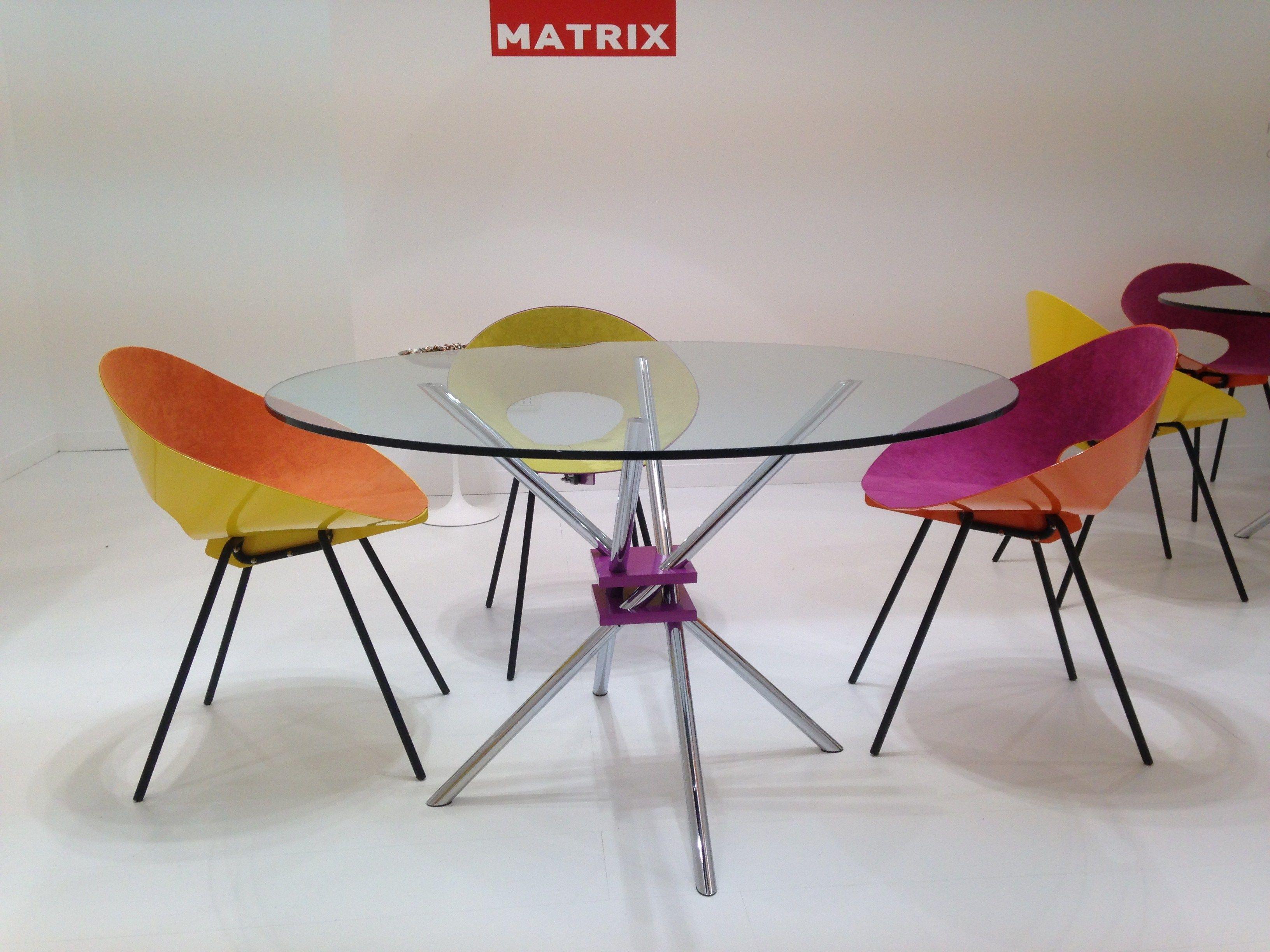 Mz59 tavolo by matrix international design takehiko mizutani for Tavolo rotondo nordico