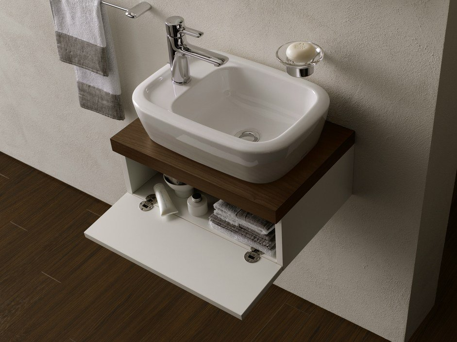 Mobile lavabo sospeso by toto for Lavabo sospeso con mobile
