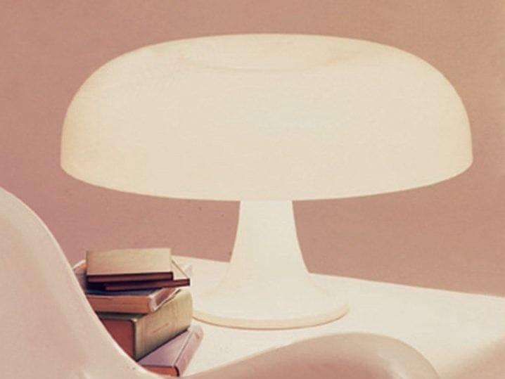 lampada da tavolo in abs nesso by artemide italia design giancarlo mattioli gruppo architetti. Black Bedroom Furniture Sets. Home Design Ideas