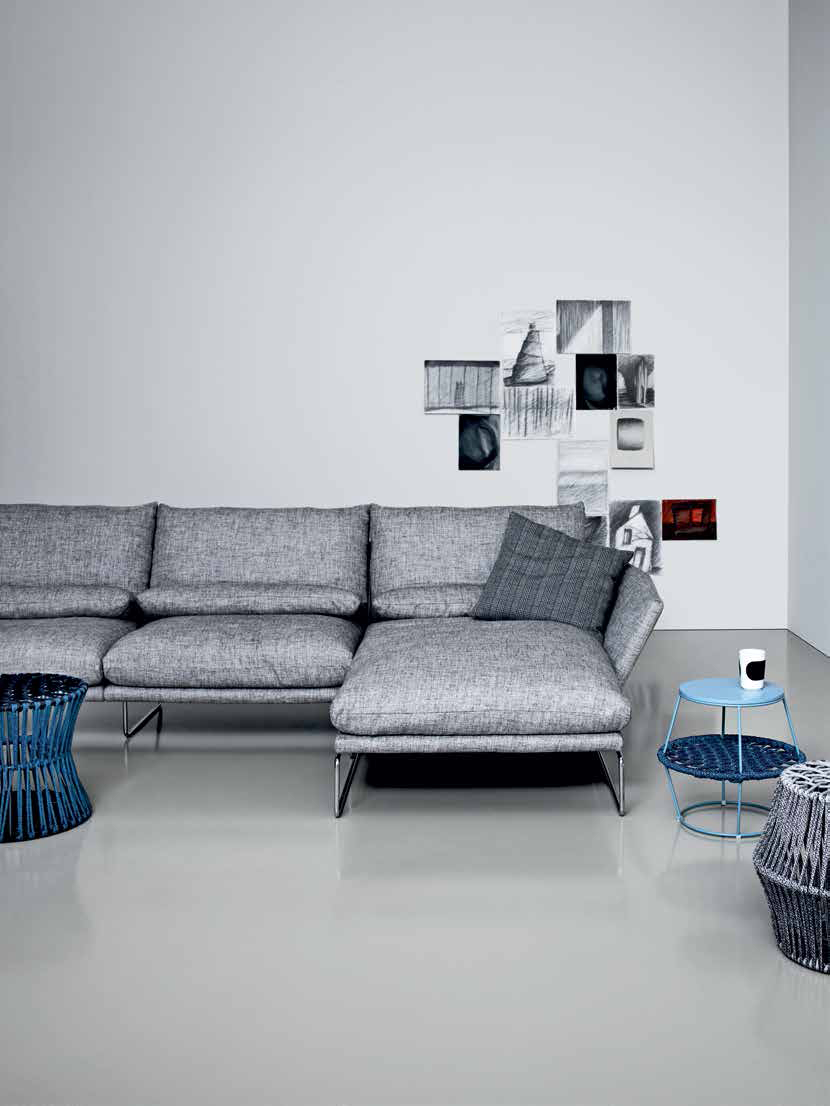 New york soft sofa with chaise longue by saba italia for Chaise longue manufacturers