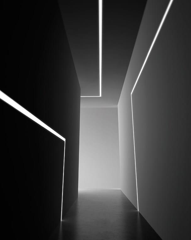 Barra de luz led linear embutido nolita fluo by panzeri for Barra de luz led