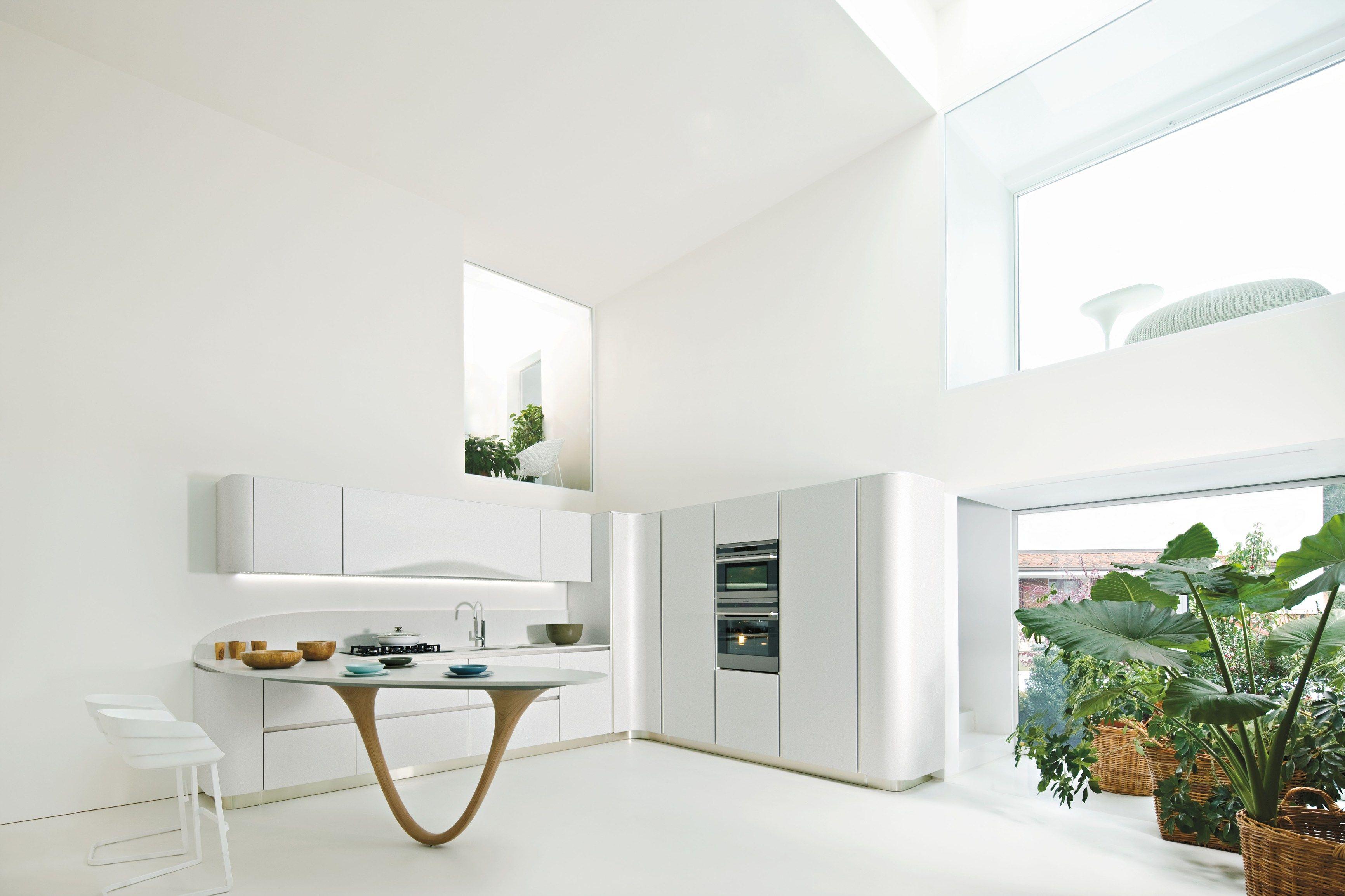 OLA 20 Cucina con penisola by Snaidero design Pininfarina