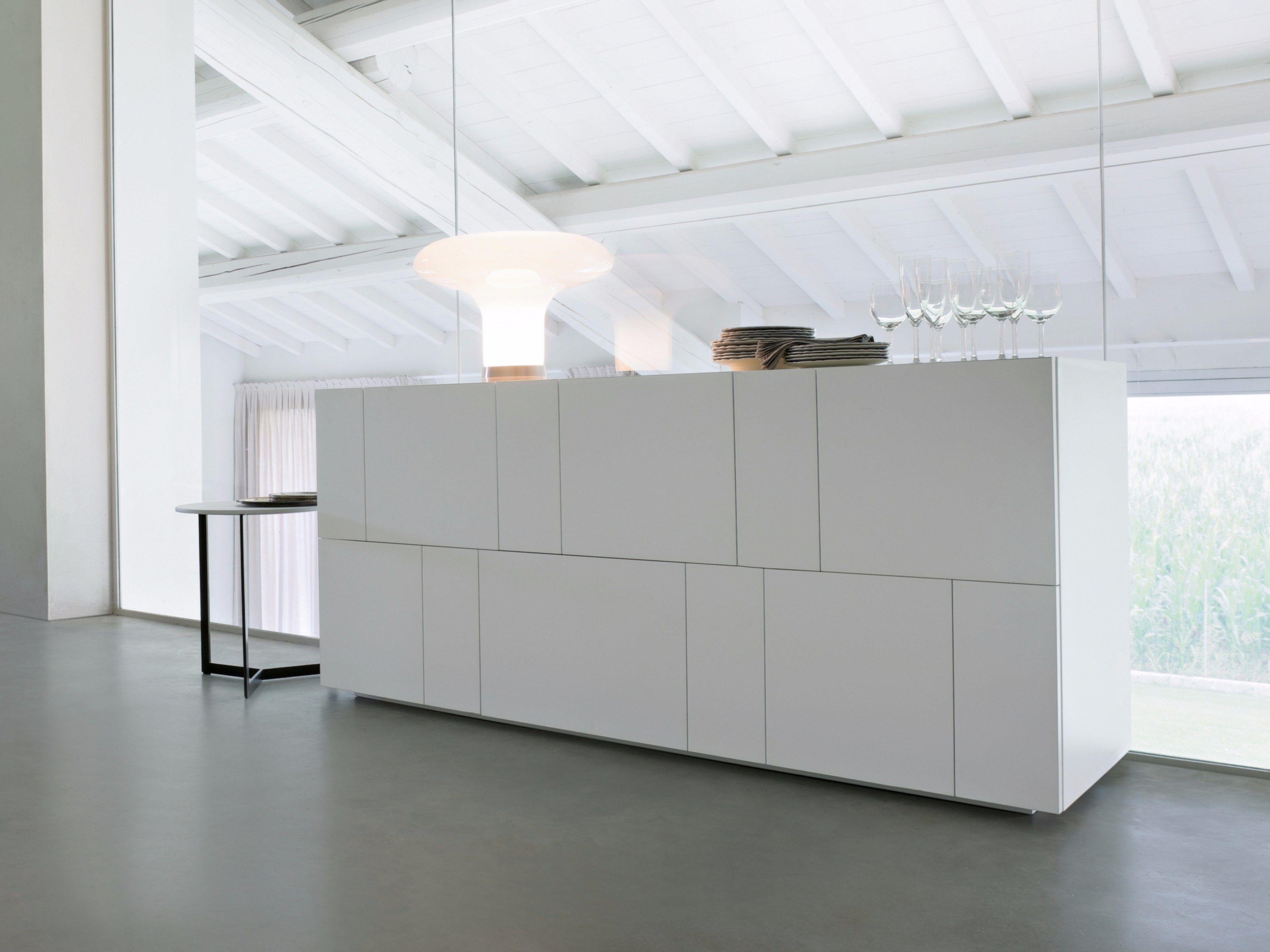 Buffet laqu e avec portes avec tiroirs ortelia by lema for Meubles molteni