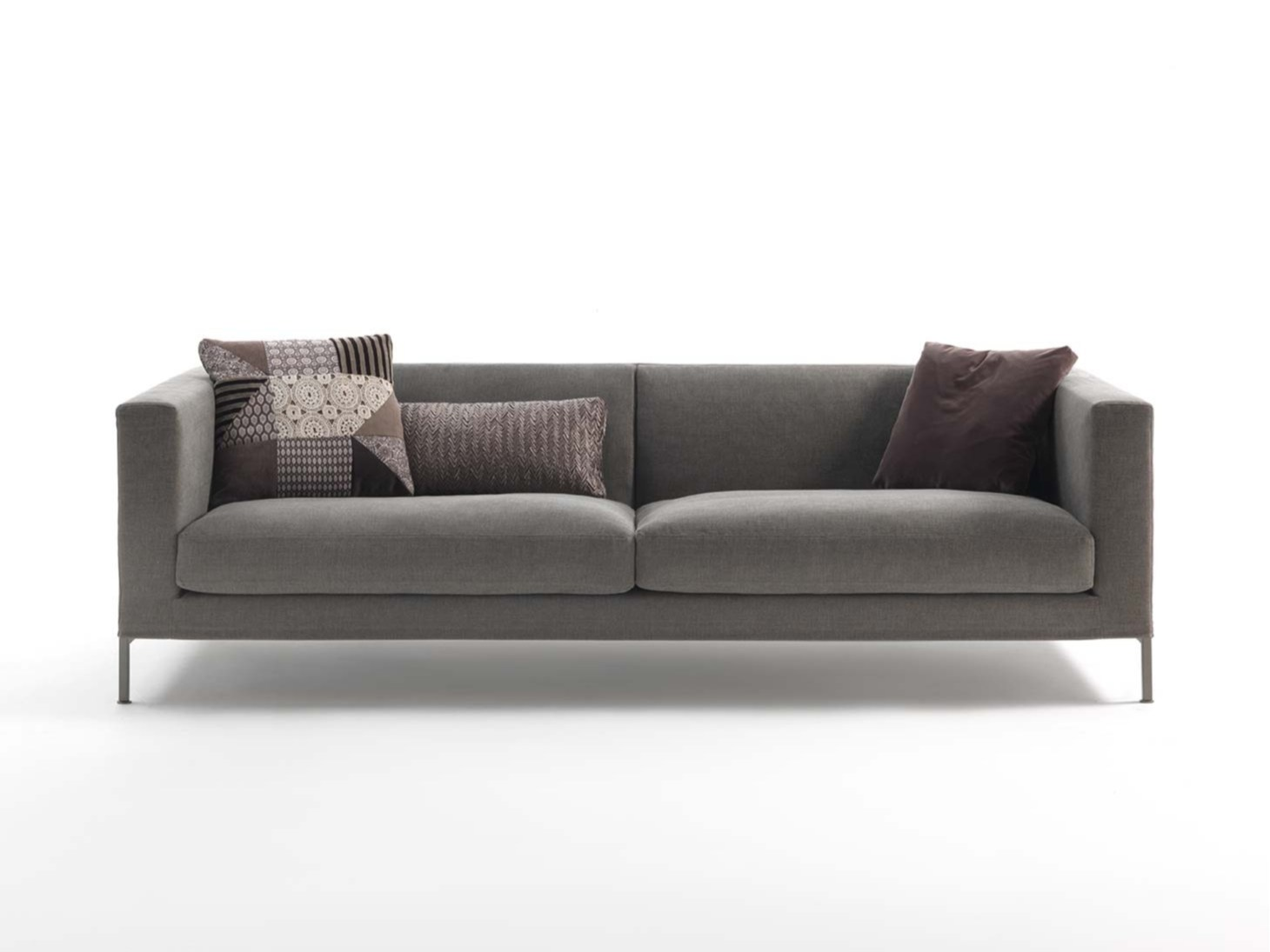 Otto canap 4 places by frigerio poltrone e divani for Canape poltrone et sofa