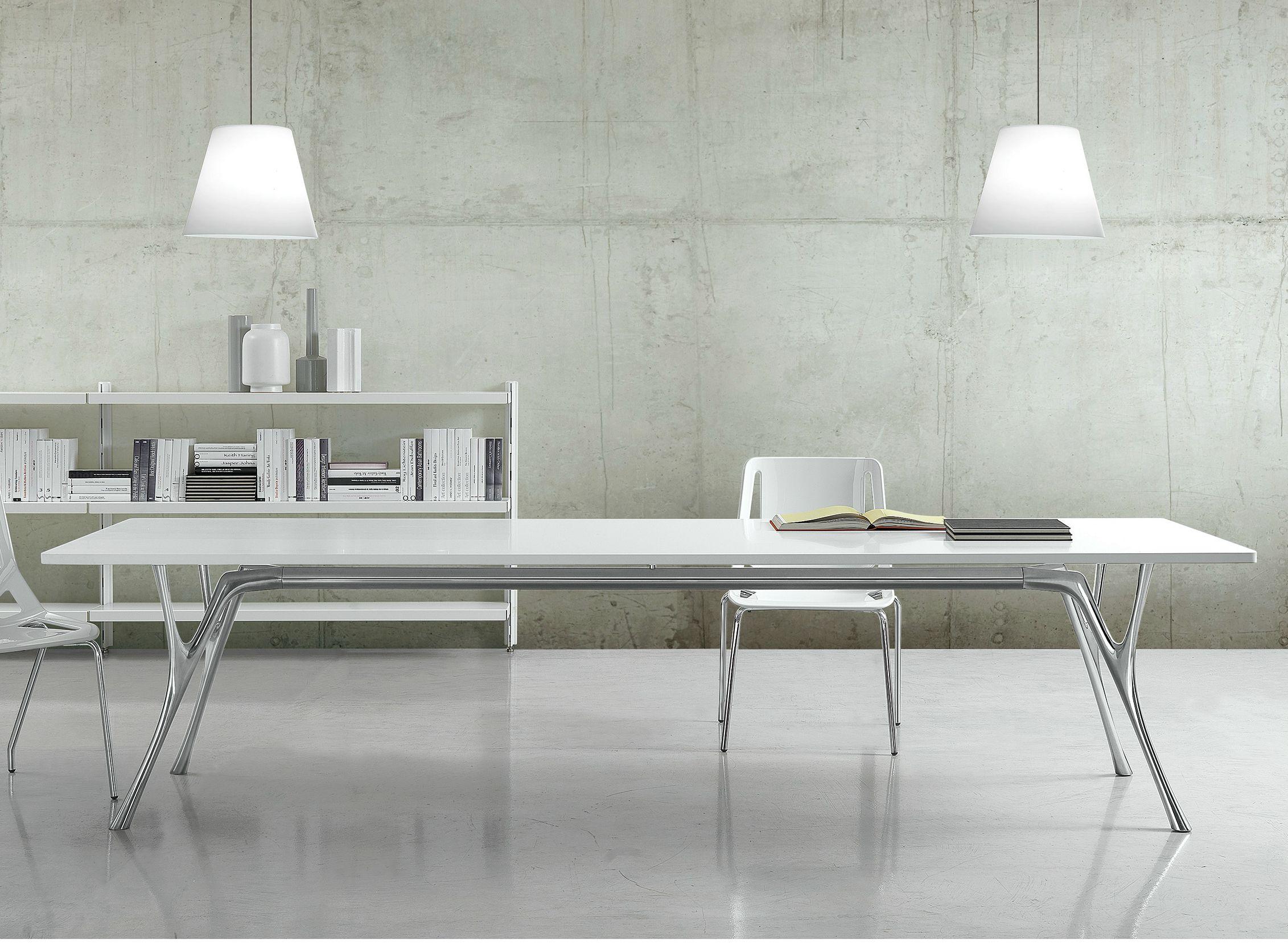 Tavolo rettangolare pegaso solid by caimi brevetti design for Tavolo rettangolare design