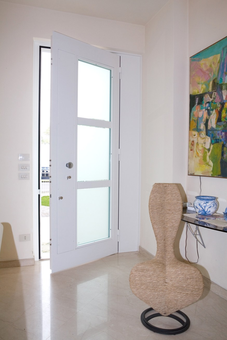 porte d entr e blind e vitr e porta blindata vetrata su misura frame by quartieri luigi. Black Bedroom Furniture Sets. Home Design Ideas