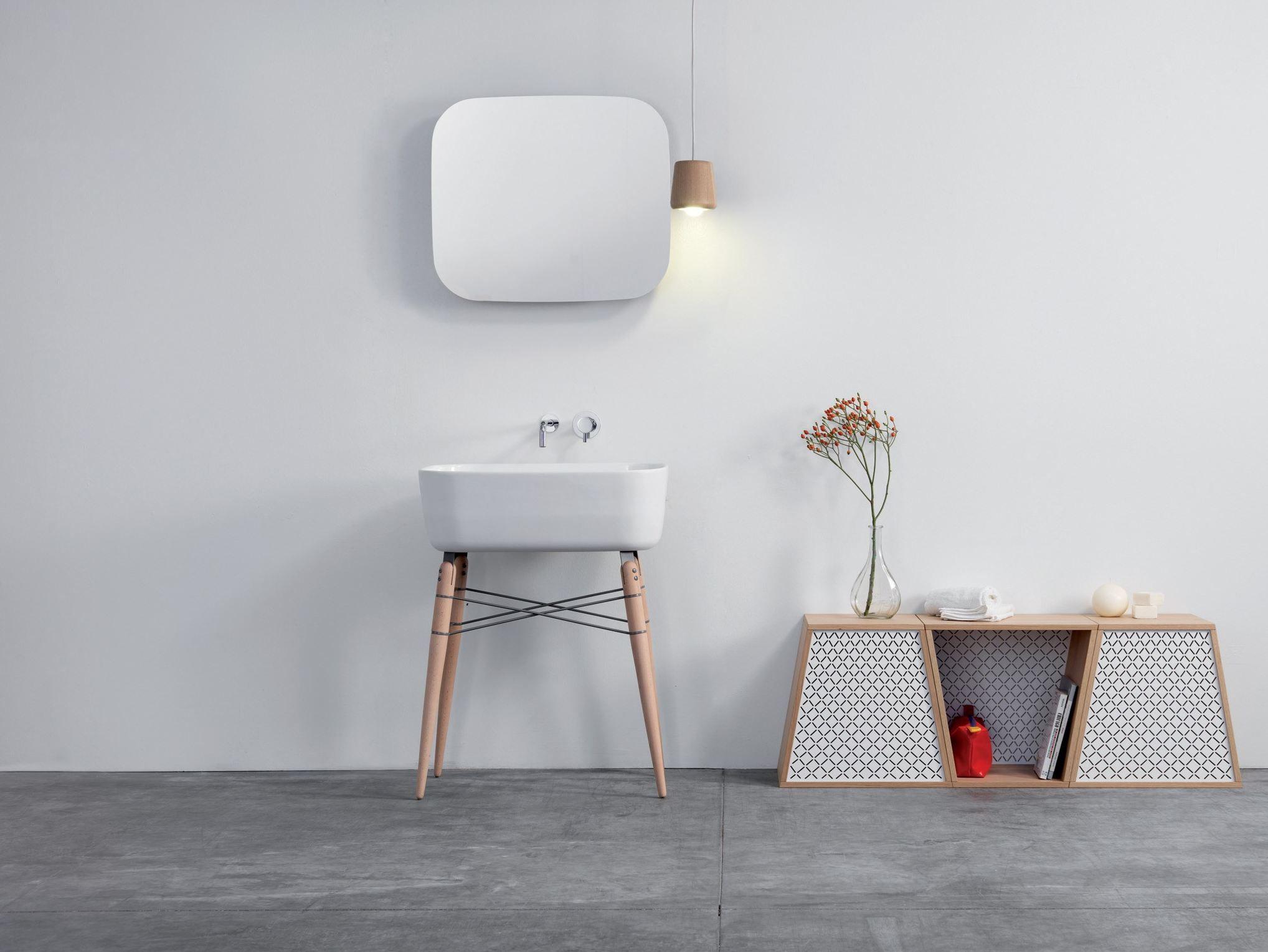 Specchio con contenitore per bagno RAY MIRROR by Ex.t design ...