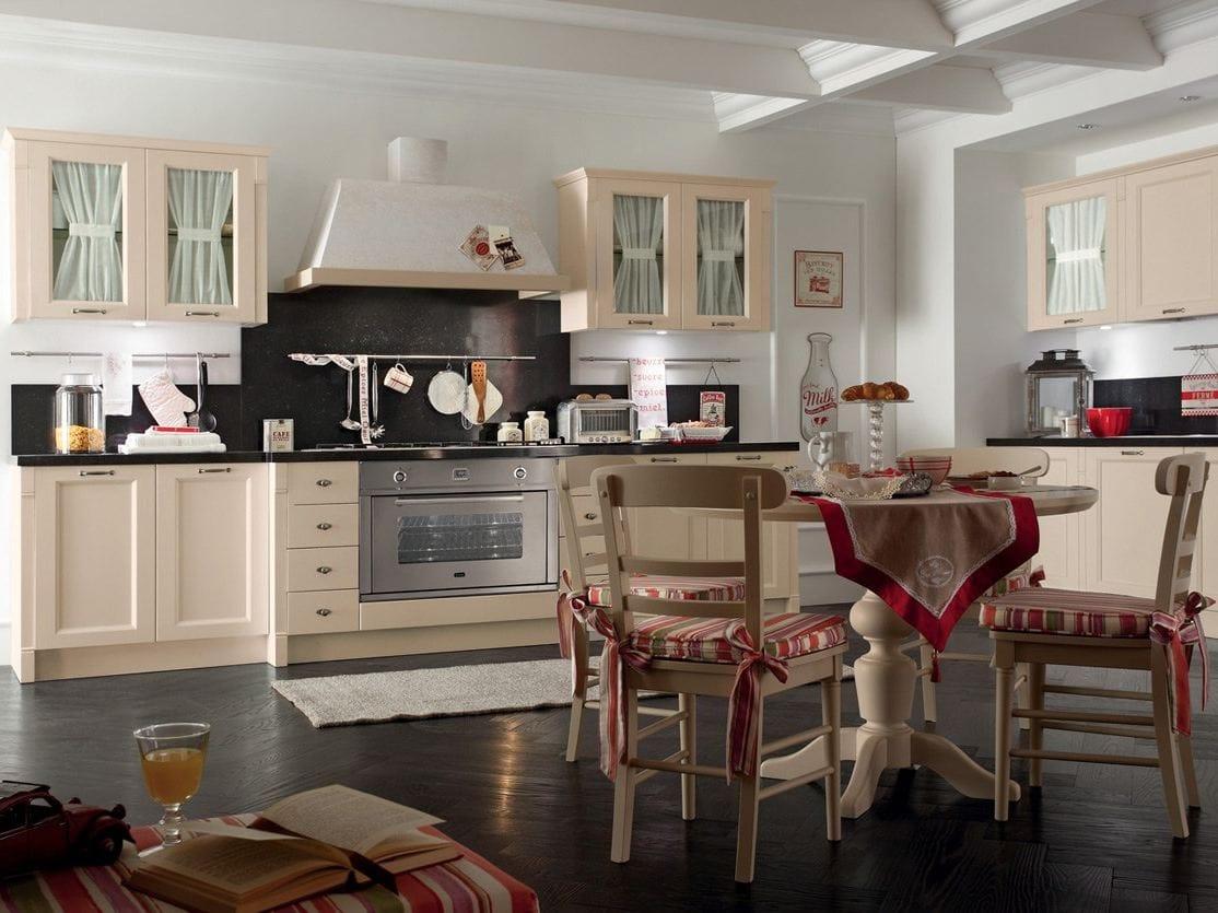 Romantic light cucina by callesella arredamenti s r l for In cucina arredamenti roletto