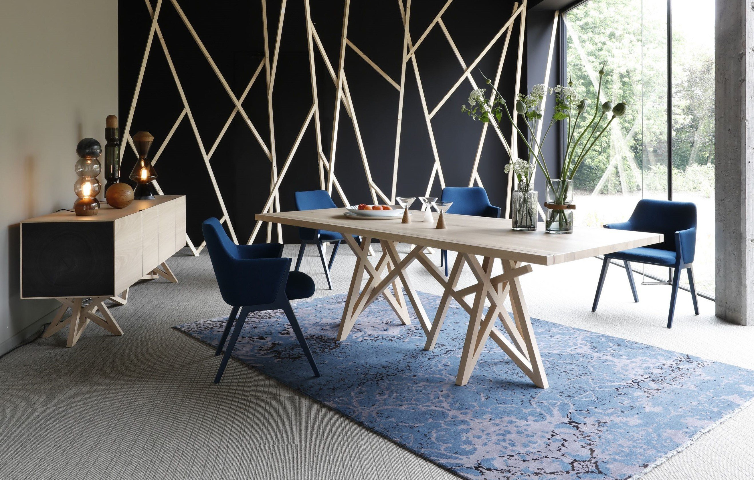 saga table collection saga by roche bobois design. Black Bedroom Furniture Sets. Home Design Ideas