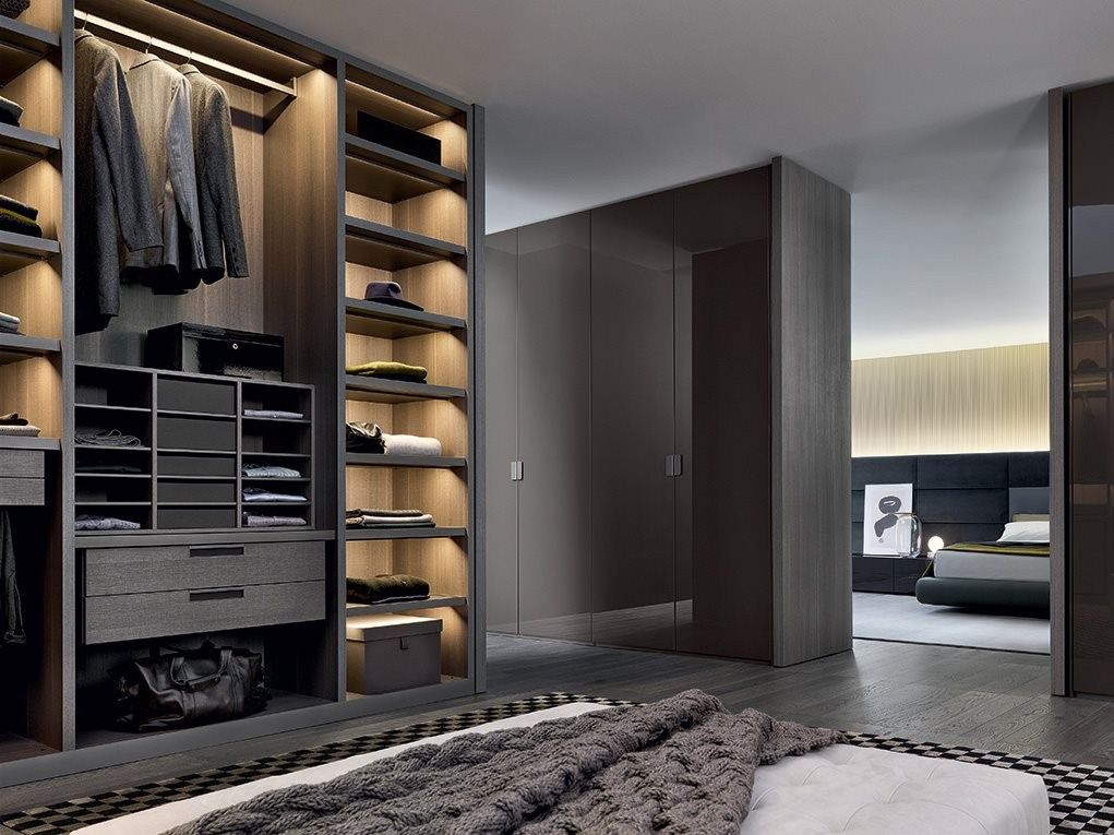 Sectional wooden wardrobe senzafine by poliform for Schuhschrank vincent