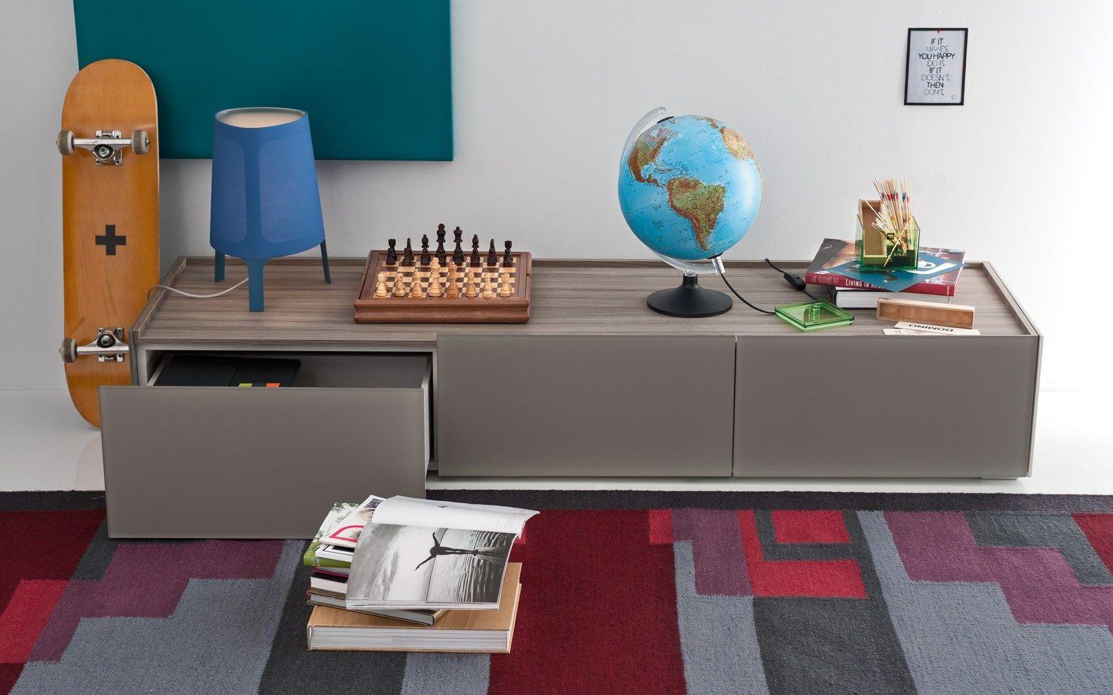 SHELTER Mobile TV by Calligaris design Studio 28