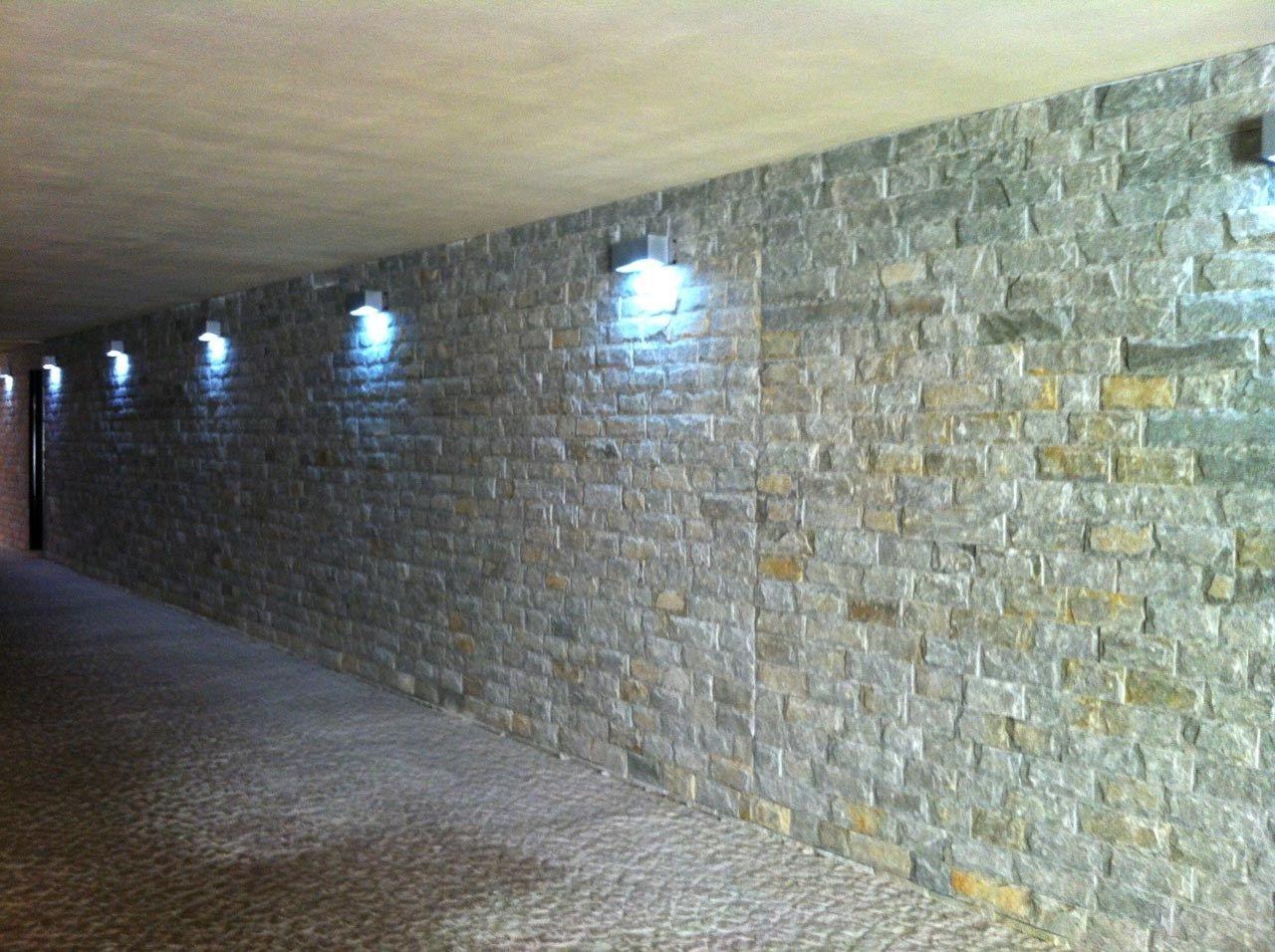 Silver coast rivestimento in pietra naturale by b b - Pietra naturale per rivestimenti interni ...