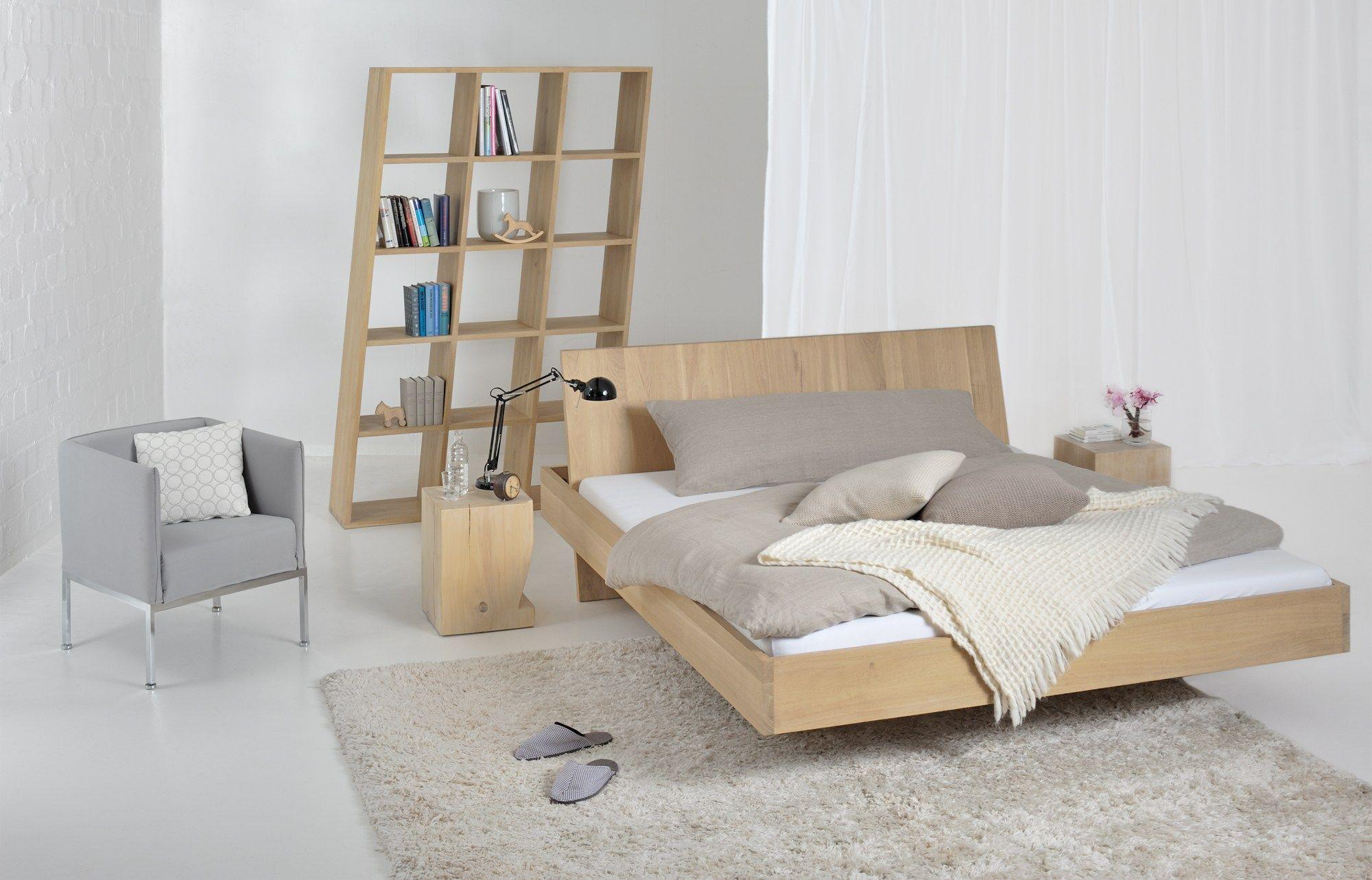 Letto matrimoniale in legno massello somnia by vitamin design design gg designart - Innovative ideas for decorating bed room ...