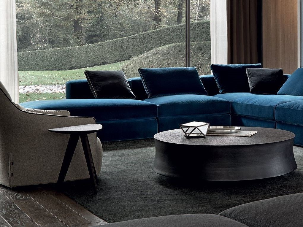 Low round coffee table for living room soori by poliform design soo k chan Round coffee table in living room