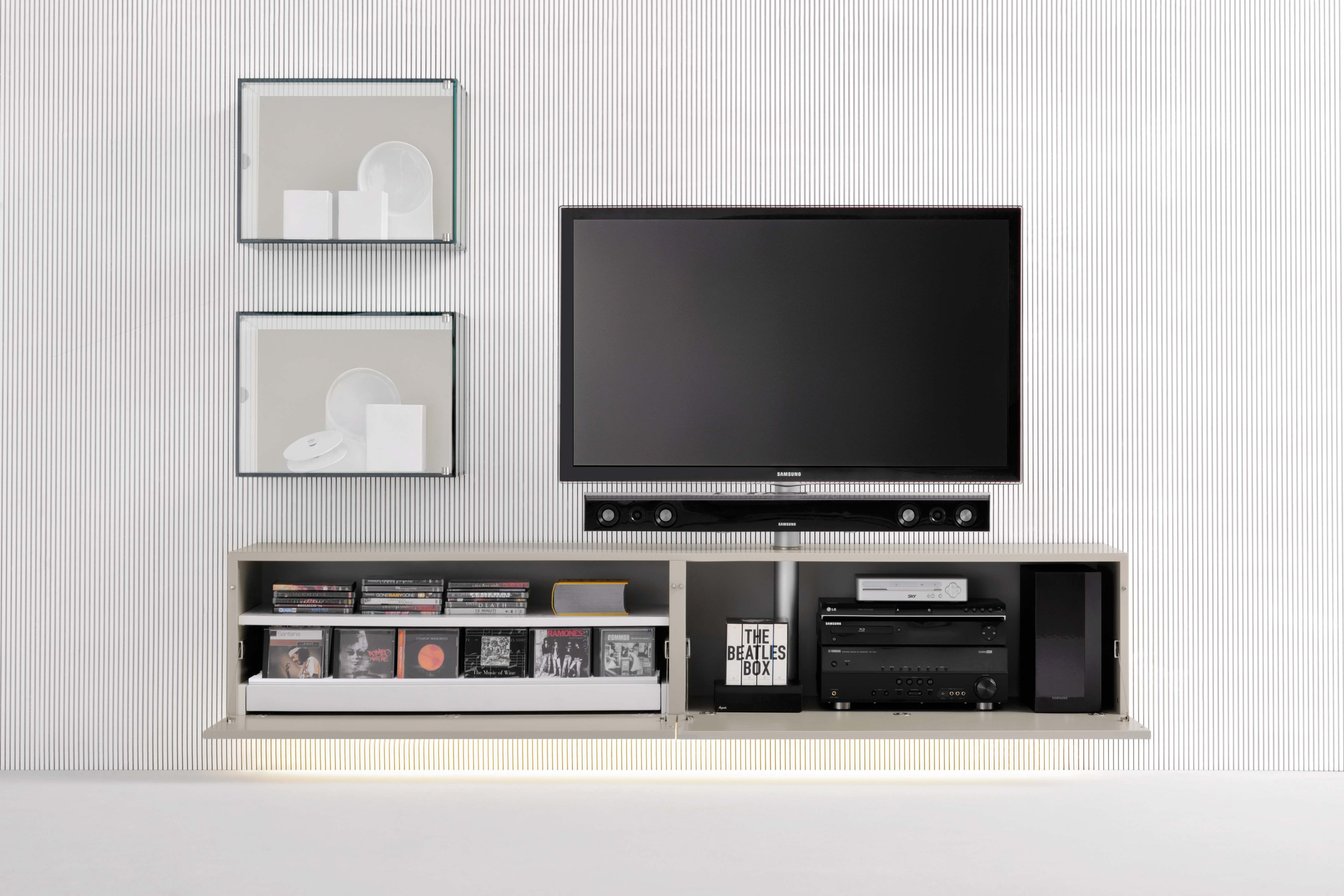 sound system tv m bel zur wandmontage kollektion graphos by silenia. Black Bedroom Furniture Sets. Home Design Ideas