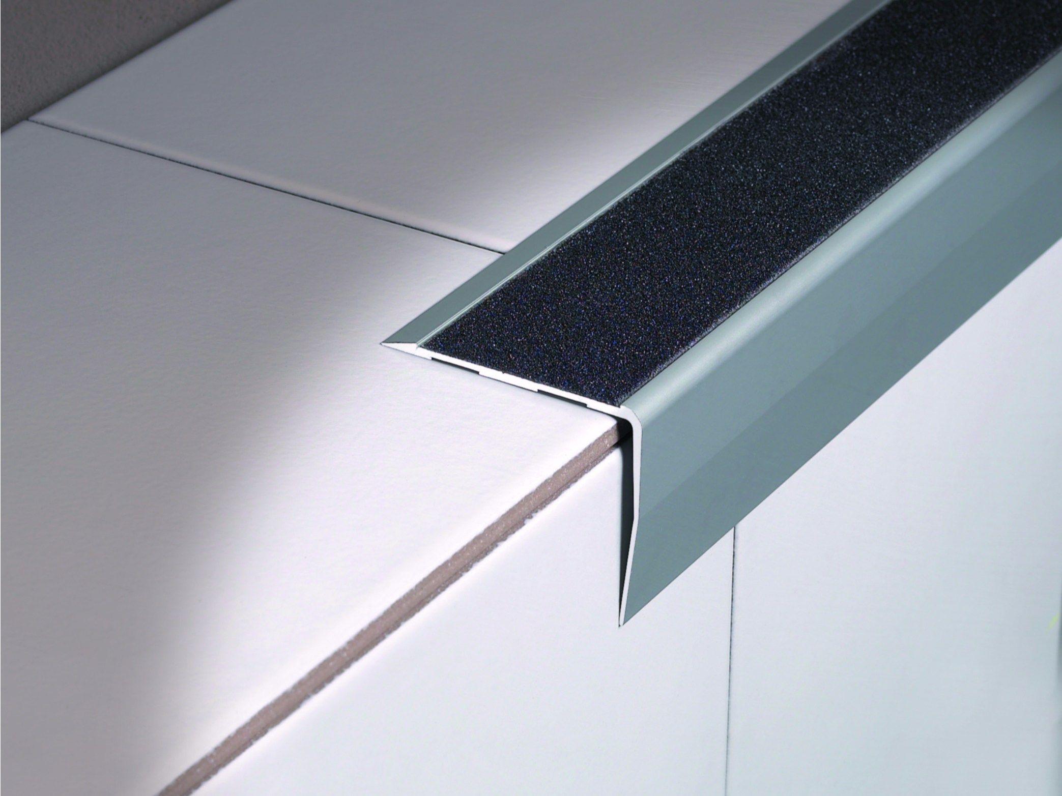Technical Aluminium Stair Nosing With Anti Slip Strip
