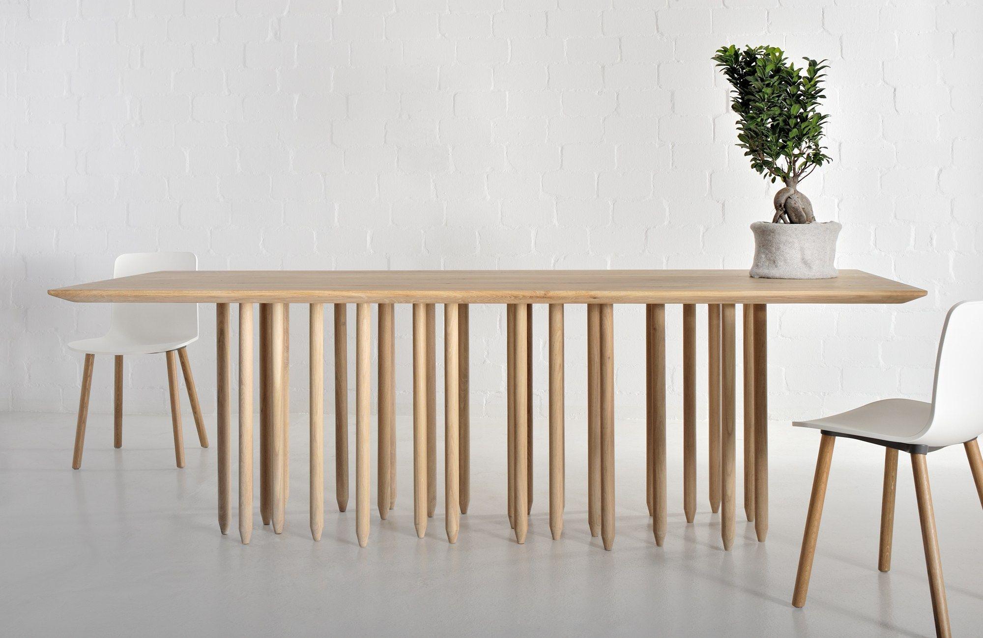 Tavolo rettangolare in legno massello stilus by vitamin for Tavolo rettangolare design