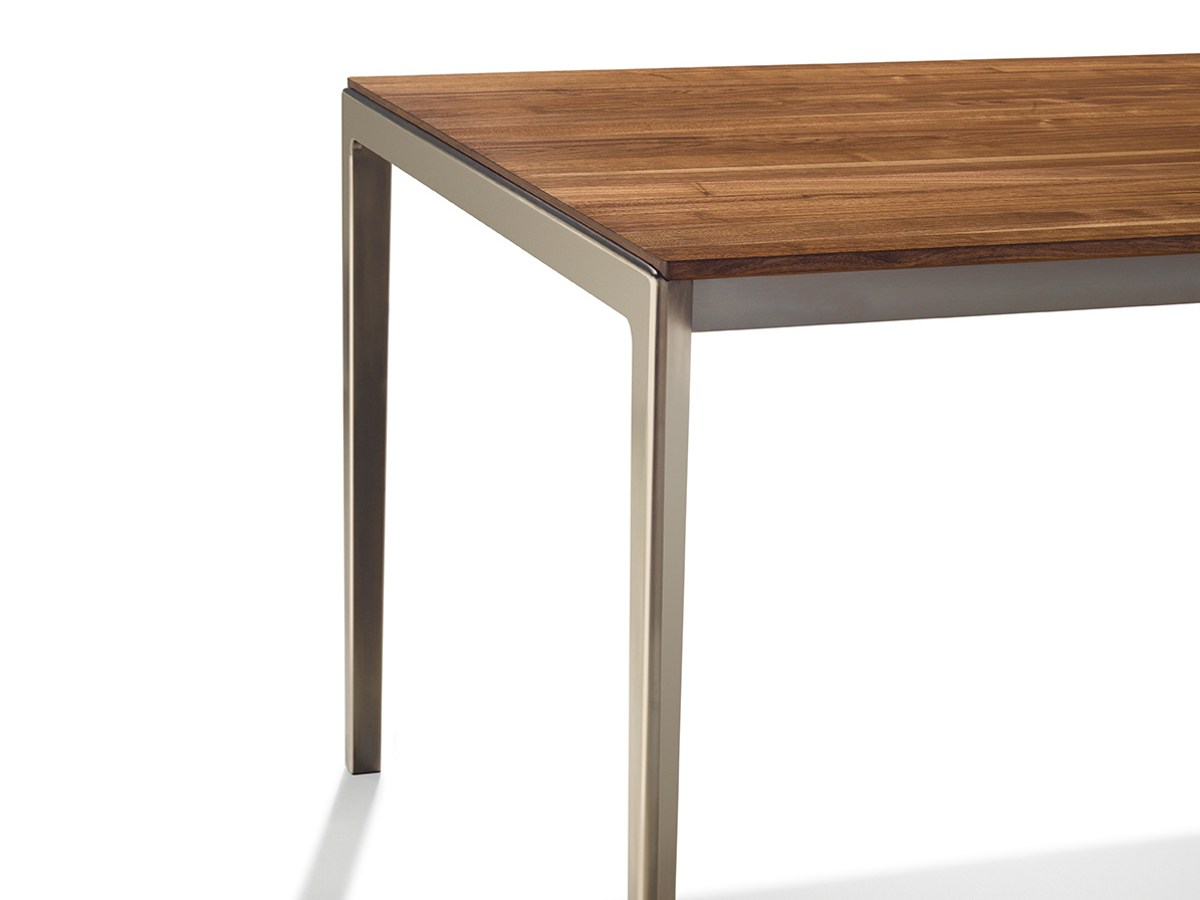 Table extensible manger rectangulaire en bois massif tak for Table rectangulaire extensible bois