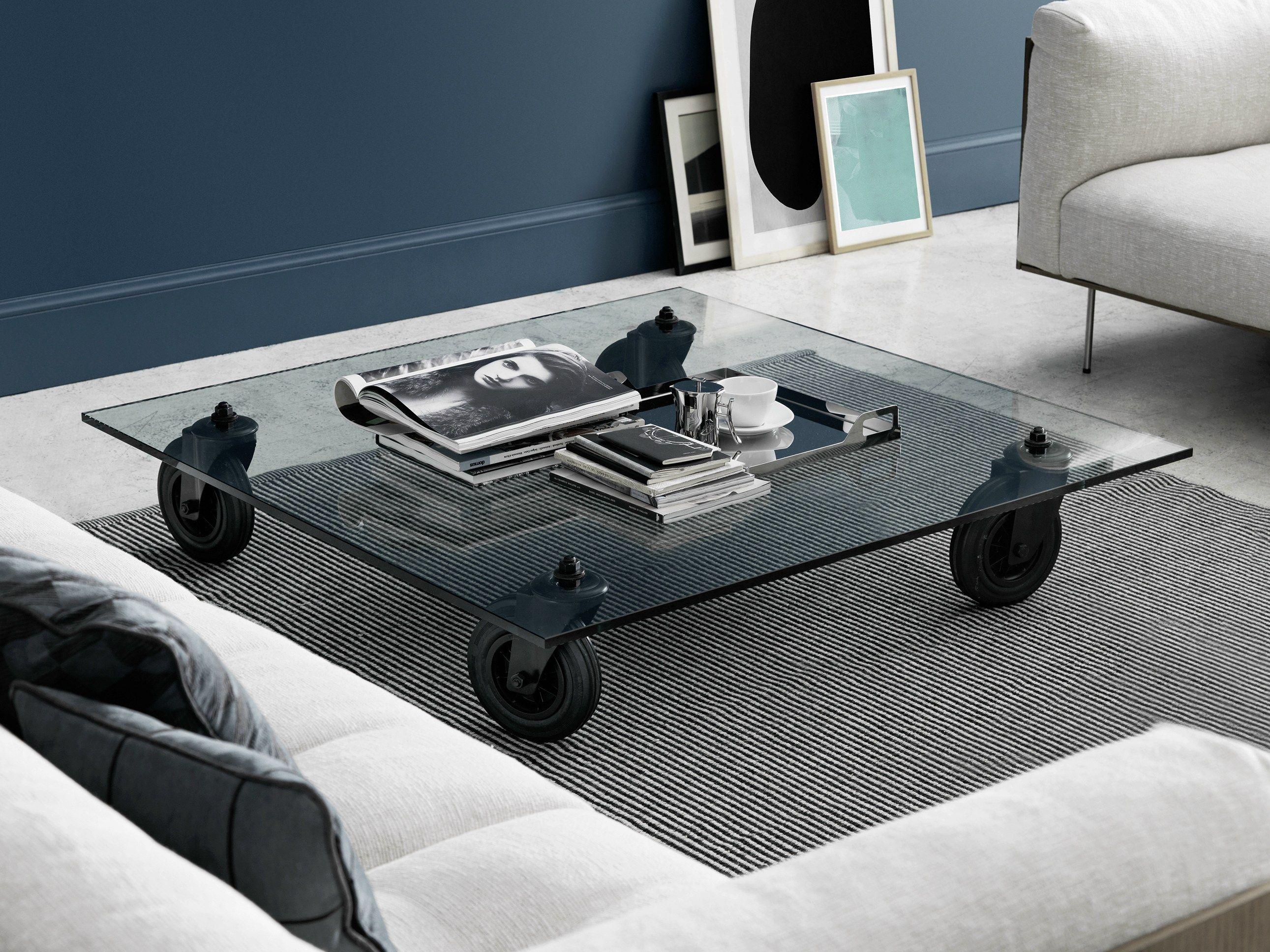 table basse carr e en verre flott roulettes tavolo con. Black Bedroom Furniture Sets. Home Design Ideas