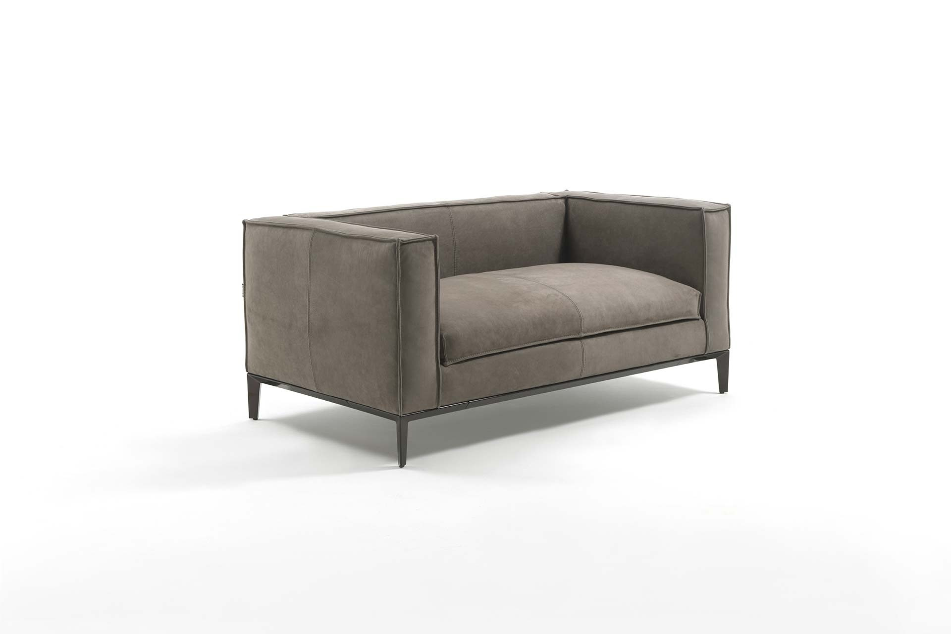 TAYLOR JUNIOR Leather small sofa by FRIGERIO POLTRONE E DIVANI