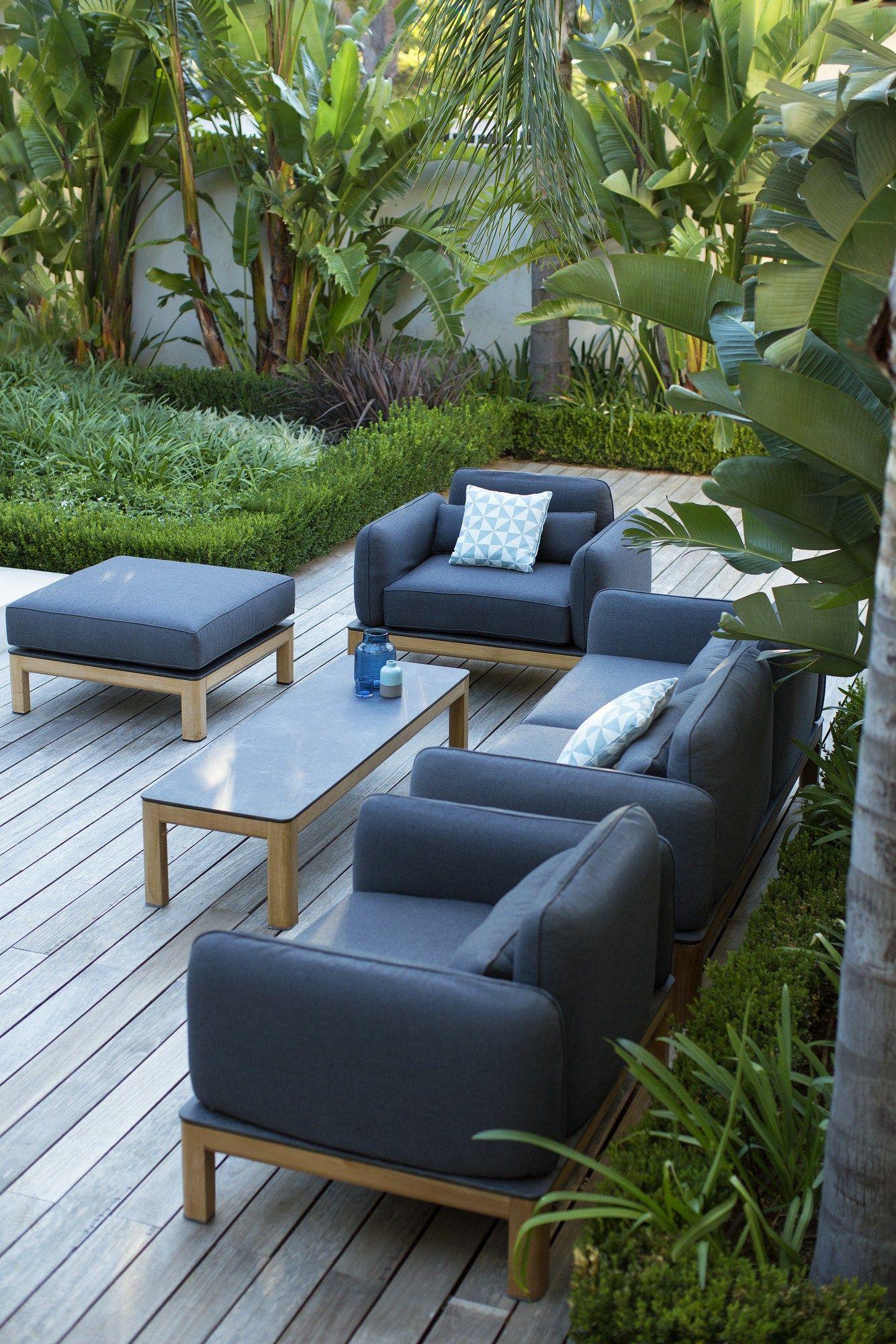 Tekura canap by les jardins design claude robin for Canape de jardin design