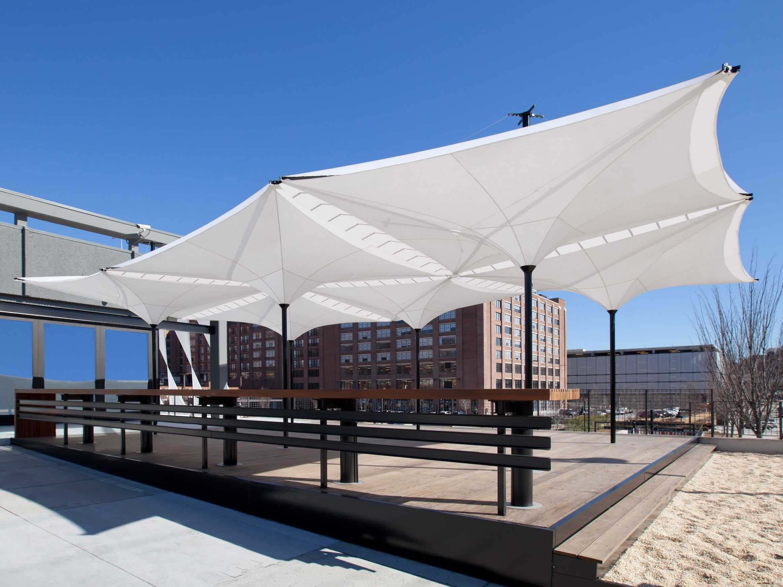 Square aluminium garden umbrella tensilation type ev by for Architecture upbrella